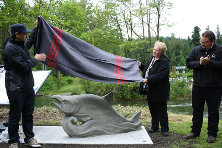 cultus_lake_salmon_statue.jpg